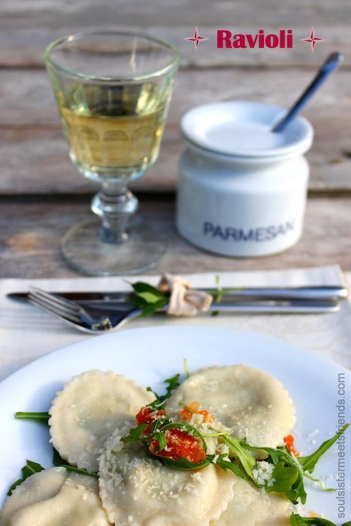 Handgemachte Ravioli mit Ricotta-Spinat Füllung.