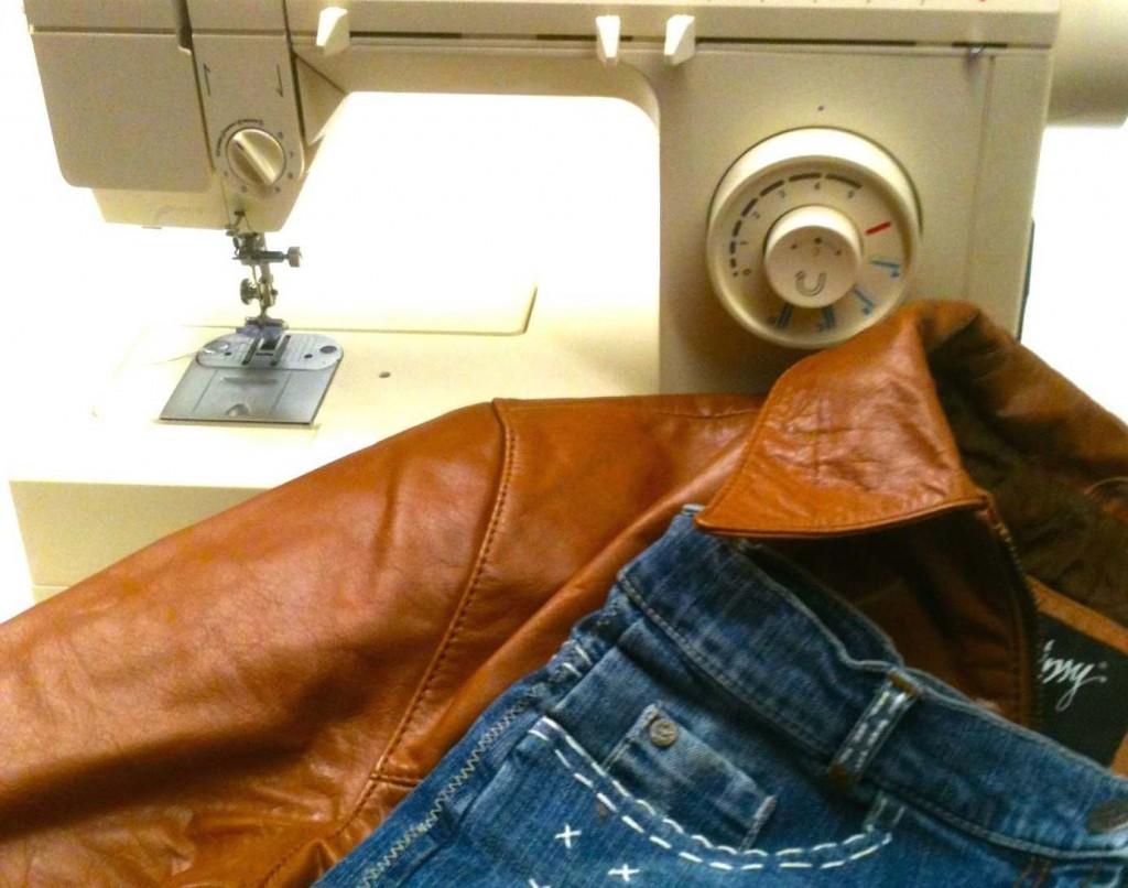 Upcycling: Jeans - Tasche mit Lederboden