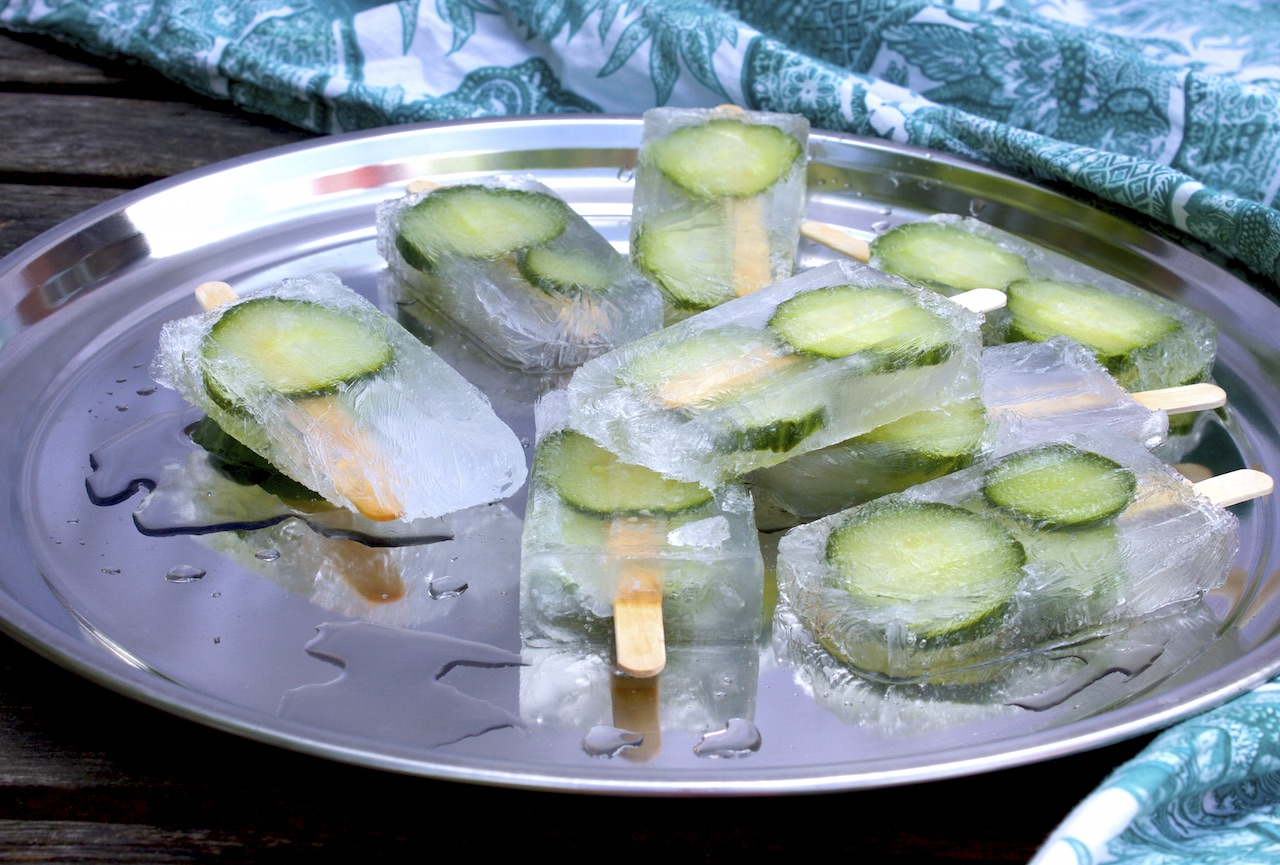 gin tonic cucumber popsicles soulsister meets friends. Black Bedroom Furniture Sets. Home Design Ideas