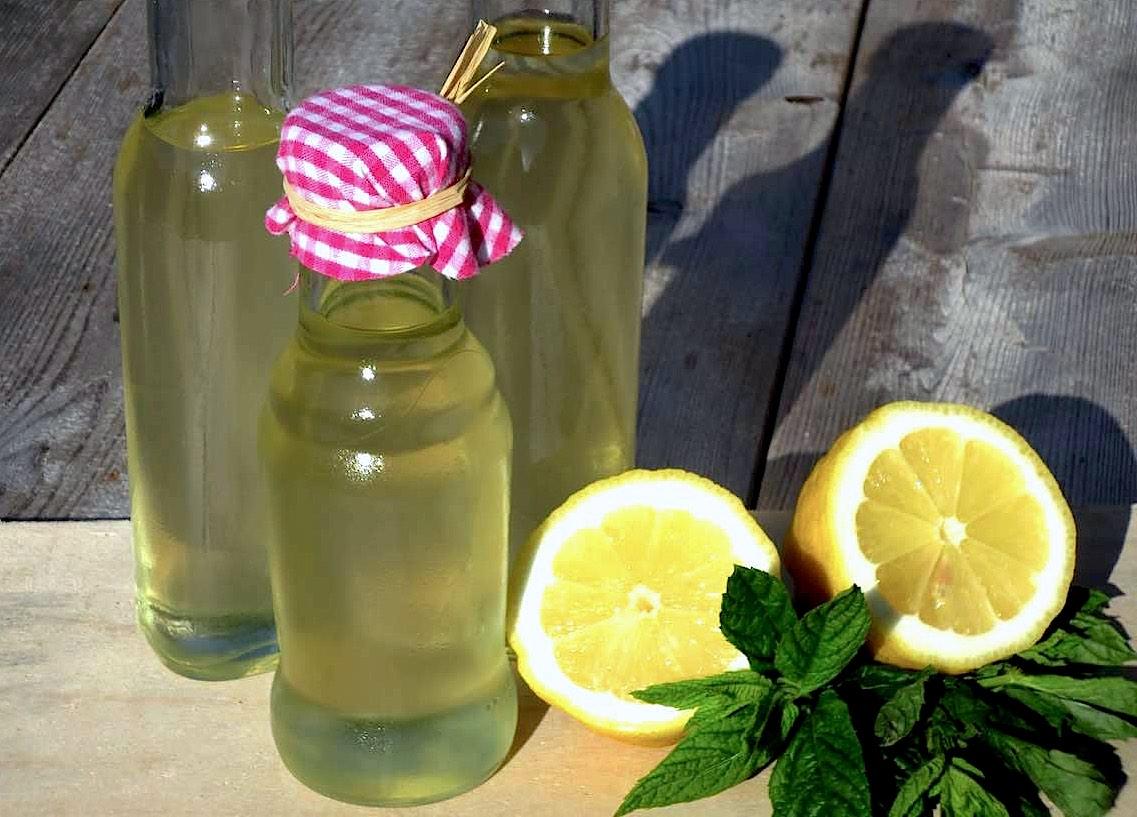Frisch & aromatisch: Holunderblütensirup - ganz einfach gemacht!