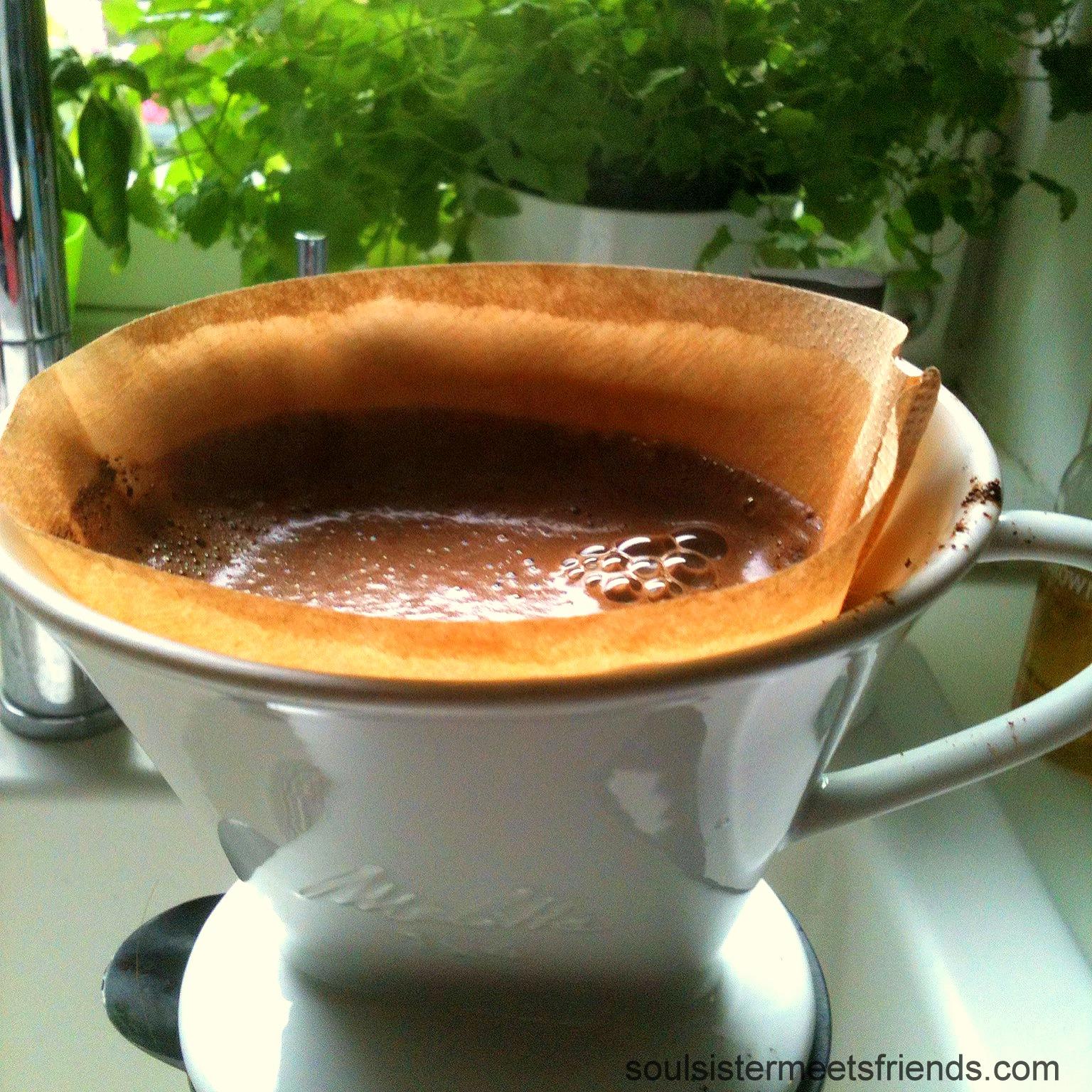 Kaffee-handgefiltert-sonntagsglück-soulsistermeetsfriends