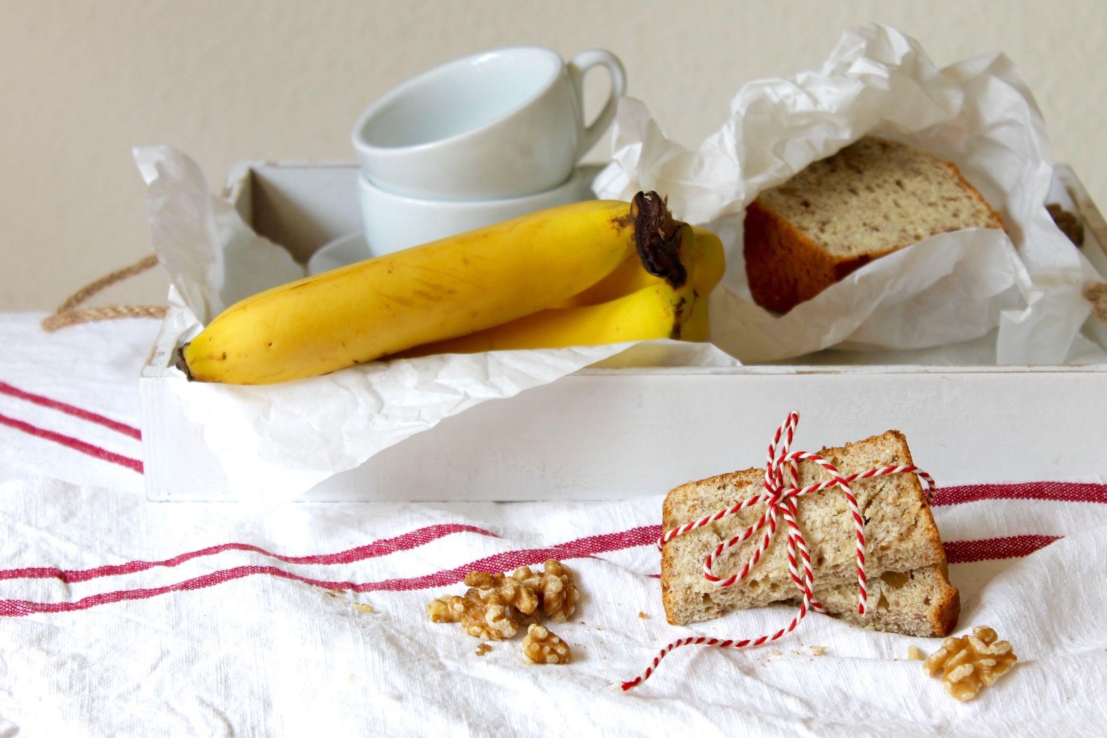 Bananenbrot-mit-Walnüssen-soulsistermeetsfriends