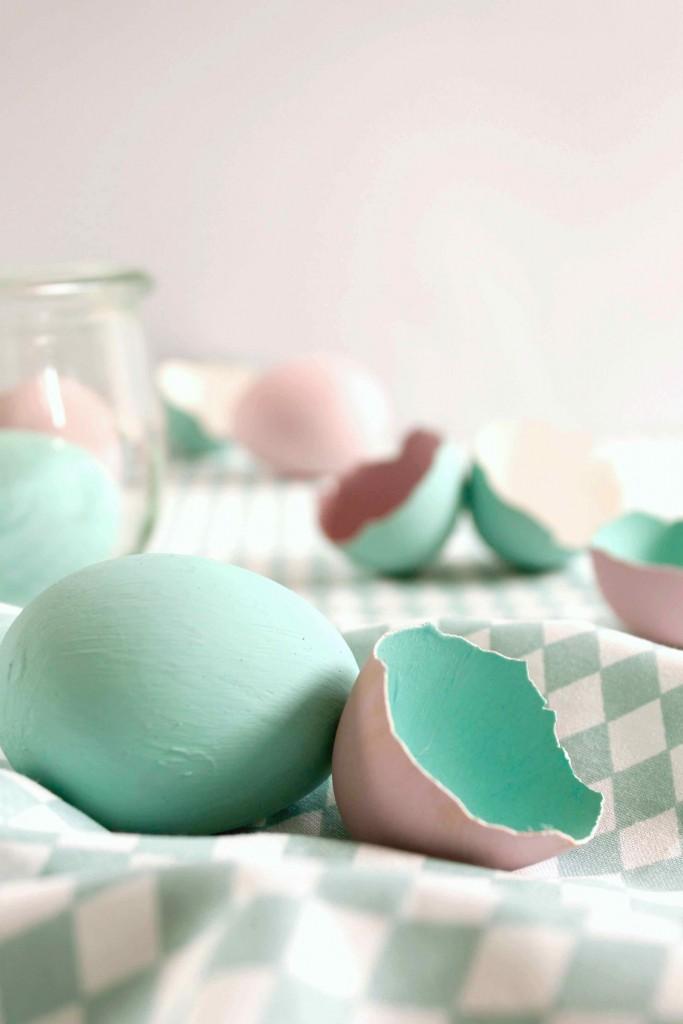 Ostereier in zarten Kreidefarben. Frühlingsfrisch und in 5 Minuten fertig!
