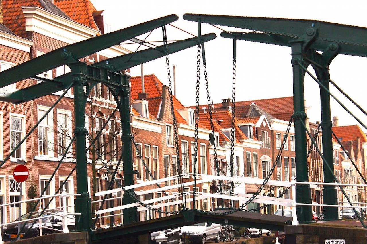 Leiden-Klappbrücke-Oude-Rijn-soulsistermeetsfriends