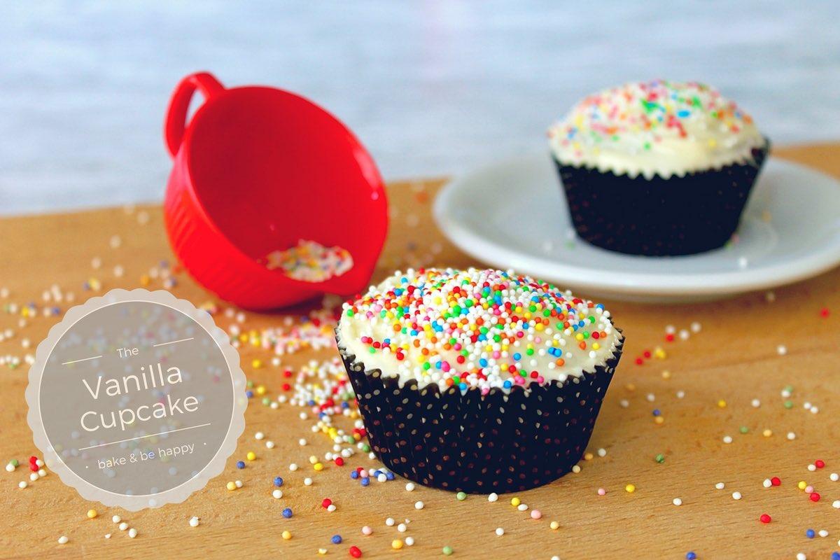 Vanille Cupcakes mit Buttercreme Topping ... kleine Glücklichmacher!