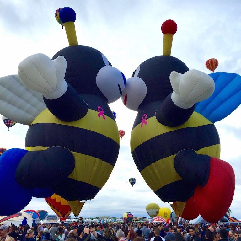albuquerque_international_balloon_fiesta_bumblebees_for_breastcancer_awareness_soulsistermeetsfriends