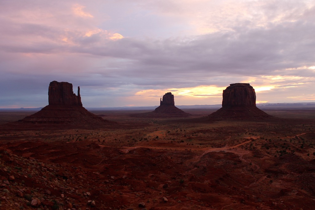 roadtrip_westcoast_usa_monument_valley_soulsistermeetsfriends_sunset