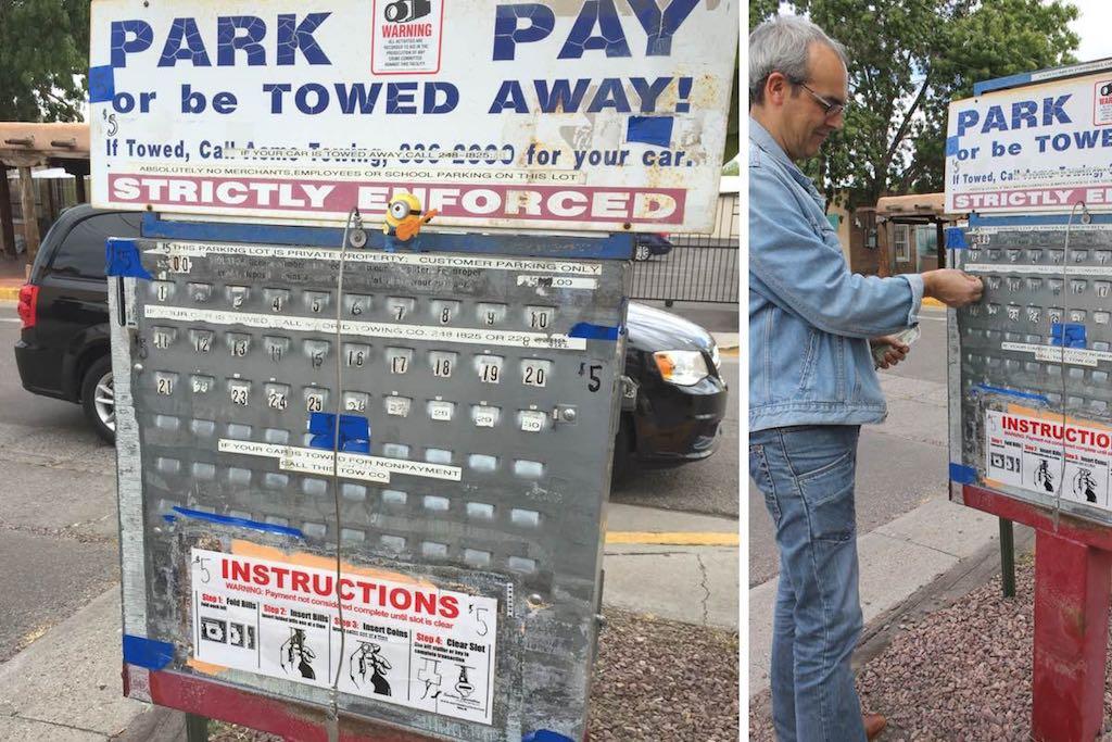 roadtrip_westcoast_usa_albuquerque_old_town_parking_parkautomat_new_mexico_soulsistermeetsfriends