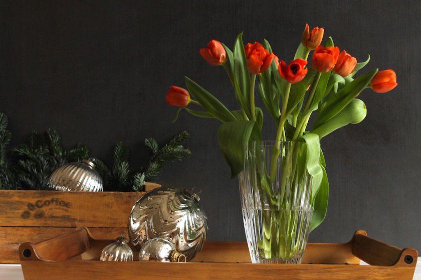 vub_adventskalender_vase_light_and_flowers_tulpen_soulsistermeetsfriends