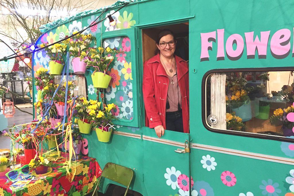 Flowerpower im Keukenhof: tolle Gäarten, coole Installationen und gute Unterhaltung