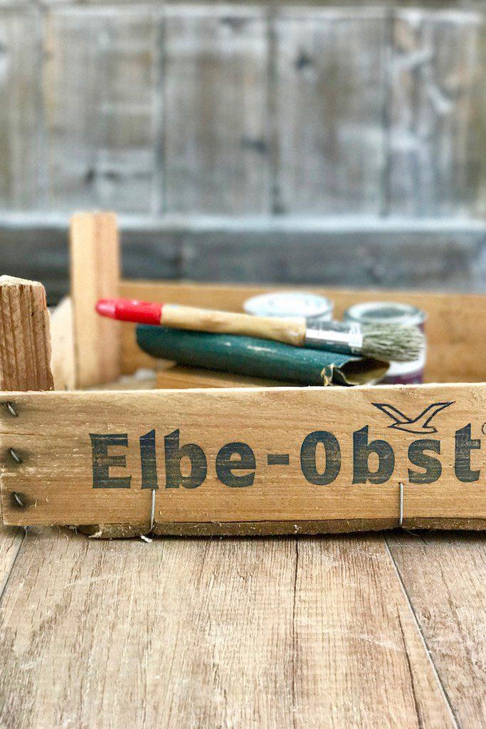 Easy DIY: ein eHolzkiste als Frühstückstablett.
