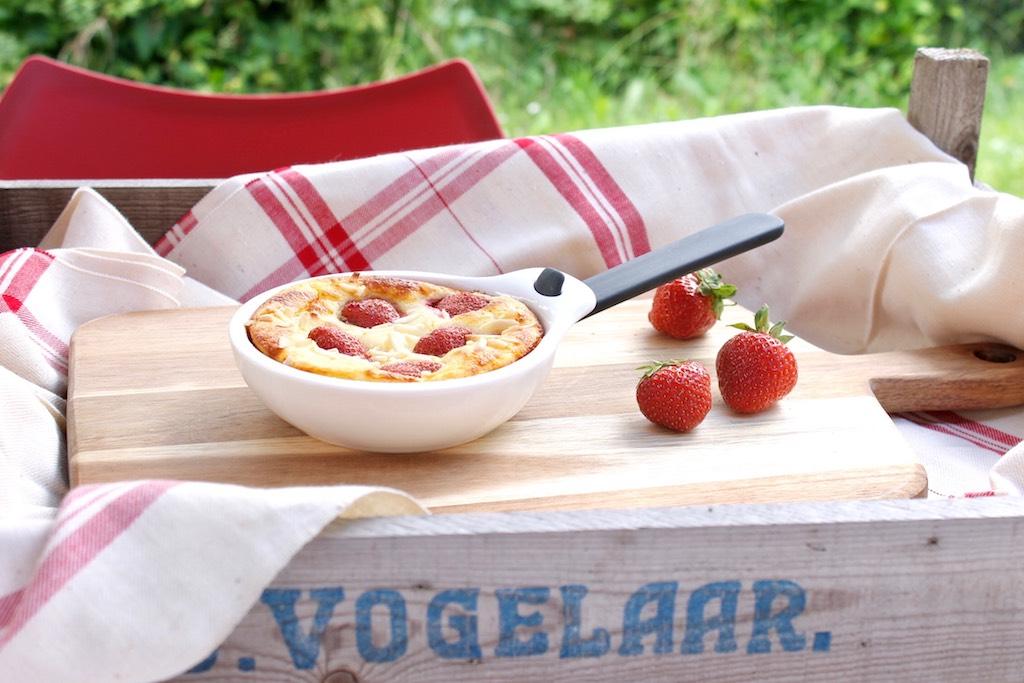 So schmeckt der Sommer: Grieß-Auflauf mit Erdbeeren