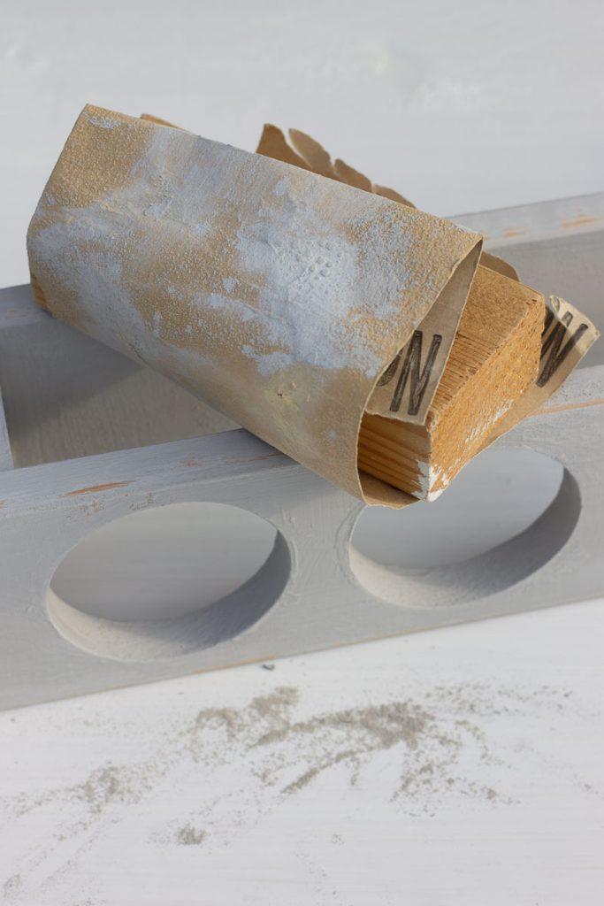 Upcycling: Gewürzregal mit Tafefarbe und Handlettering – mit step-by-step Tutorial.