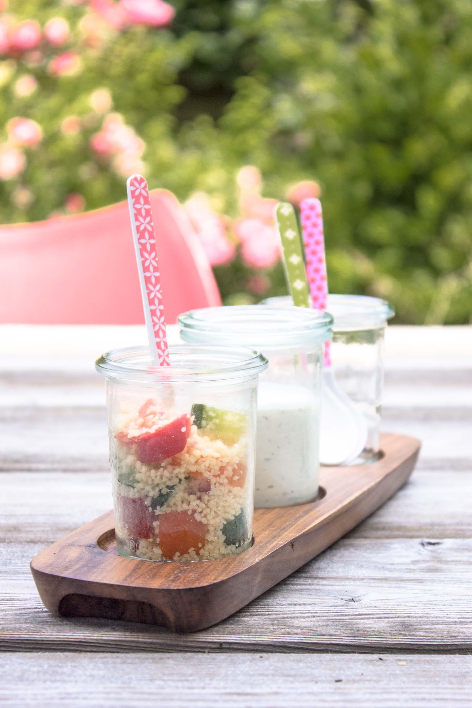 #Vegetarisch genießen: Couscous Salat mit Joghurt-Dip