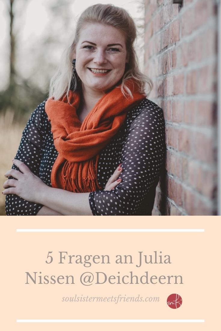 5 Fragen an Julia Nissen @Deichdeern: über das Leben zwischen Kind, Küche und Kuhstall