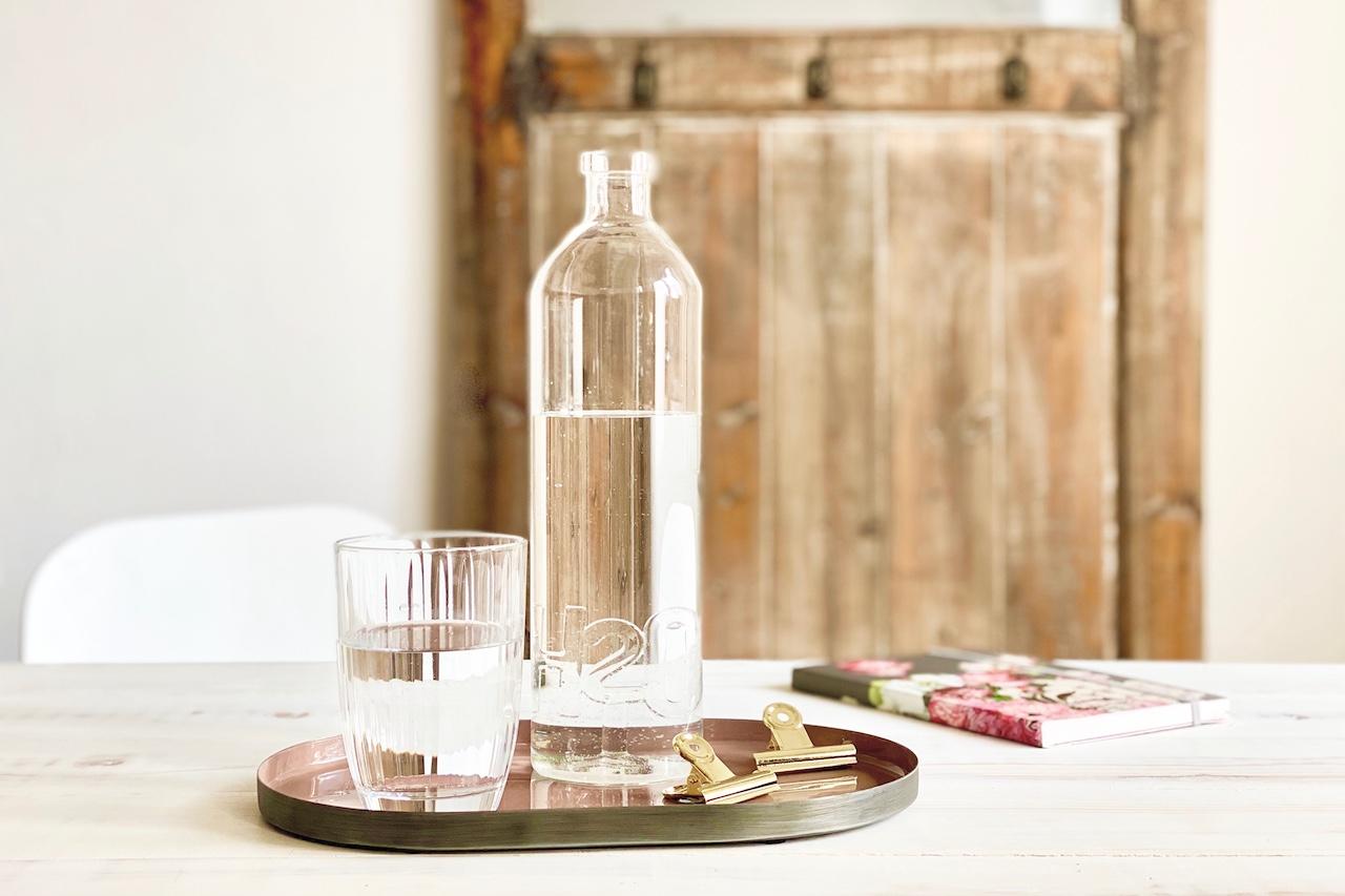 Daily Detox: ein Glas Wasser am Morgen für die Gesundheit
