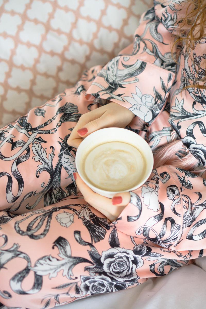 Love the Moment: Frühstück im Bett mit Smoothie Bowl - extra hyggelig!